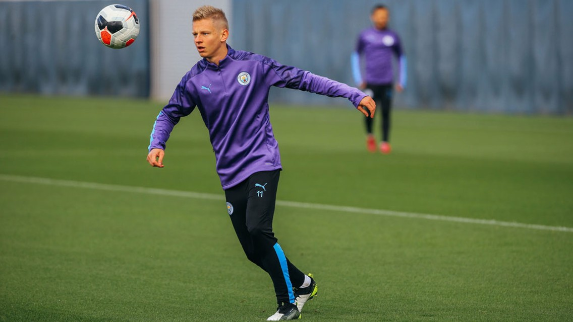 Zinchenko suffers knee injury