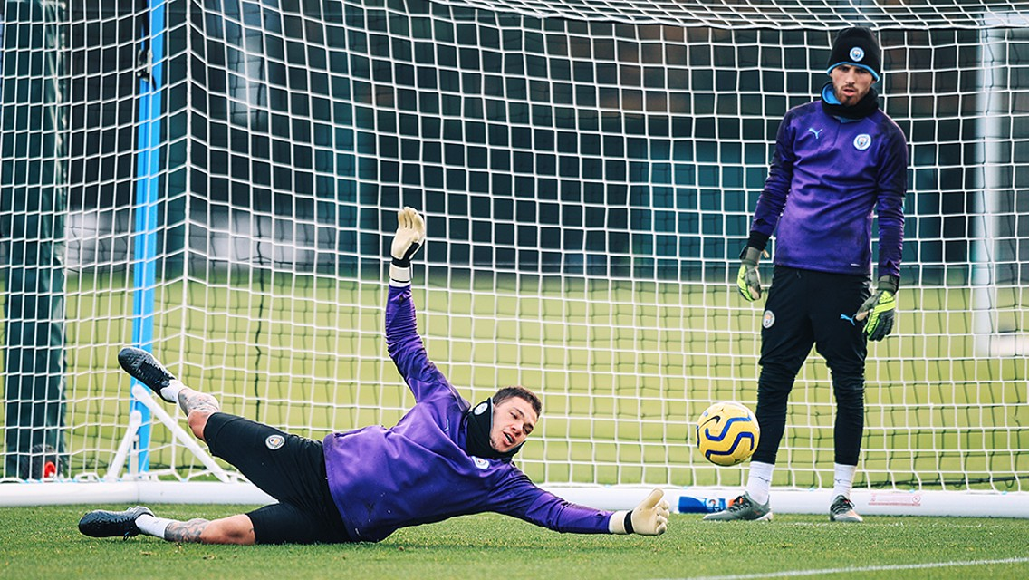 Picture special: Ederson back in training!