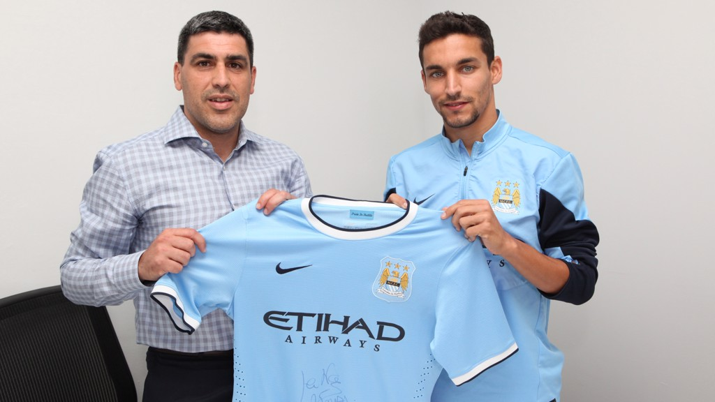 DEAL ME IN: Jesus Navas signs for City in 2013