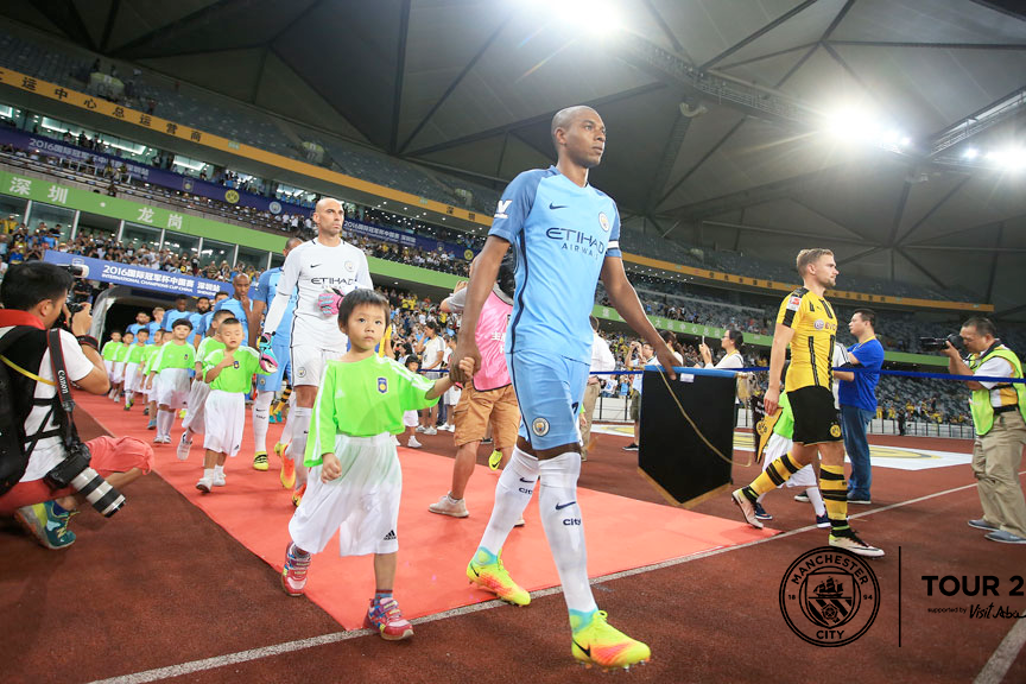 GAME TIME: Fernandinho leads the team to battle!