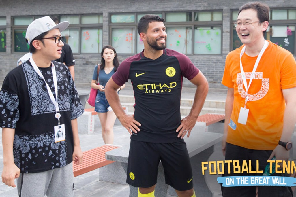 SERGIO AND SUN: Striker enjoys a laugh with our former Chinese star
