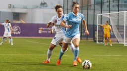 Lucy Bronze in possession