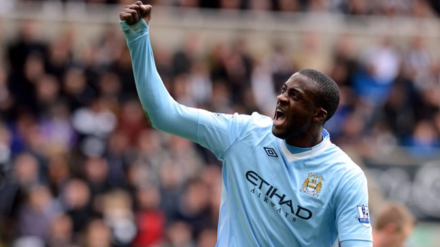 Yaya Celebrates the second goal