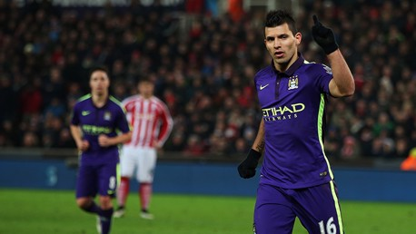 Aguero looking to power City to title