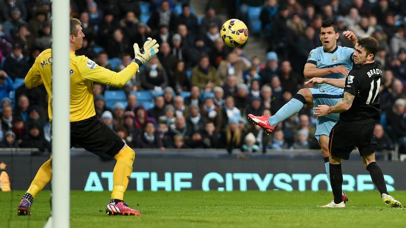 Aguero strikes as Man City end winless run