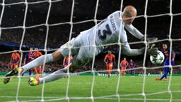 SAVED: Willy Caballero denies Neymar from the spot