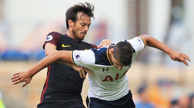 EL MAGO: David Silva battles with Erik Lamela