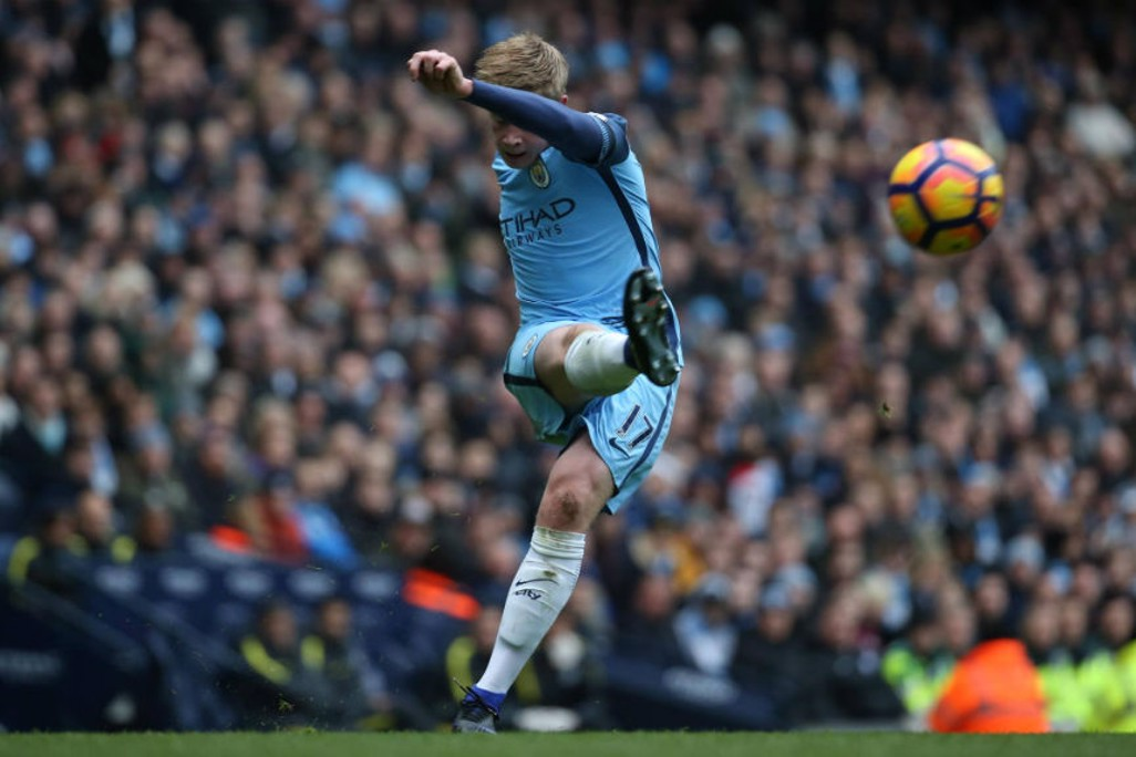 TECHNIQUE: Kevin De Bruyne whips in a cross