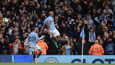 City edge closer to title after Kompany stunner