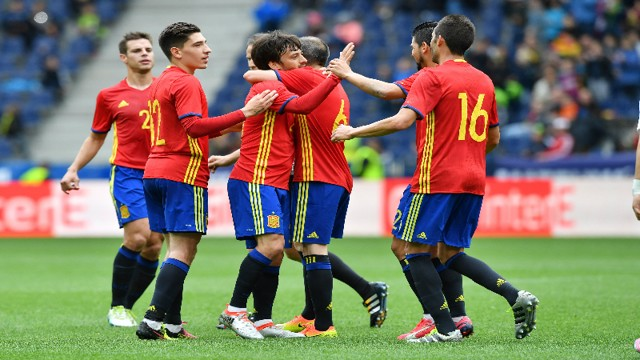 Euro 2016: David Silva celebrates his goal in Spain's 6-1 win over South Korea