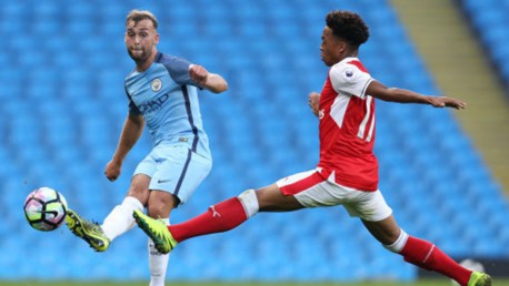 Horsfield signs new City deal and joins NAC Breda