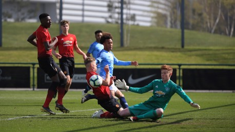 Honours even on U18s derby day