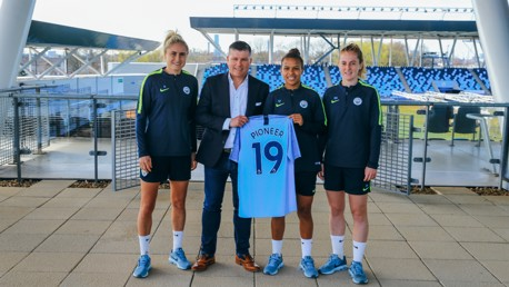 Women's team extend Pioneer Group partnership