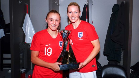 Stanway and Bonner called up to England squad