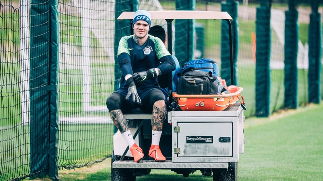 WELL-RESTED DEVELOPMENT : Ederson gears up for training