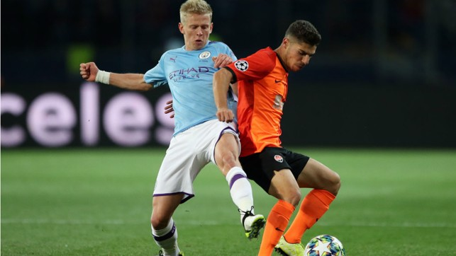 THEY SHALL NOT PASS : Oleks Zinchenko looks to block a Shakhtar move