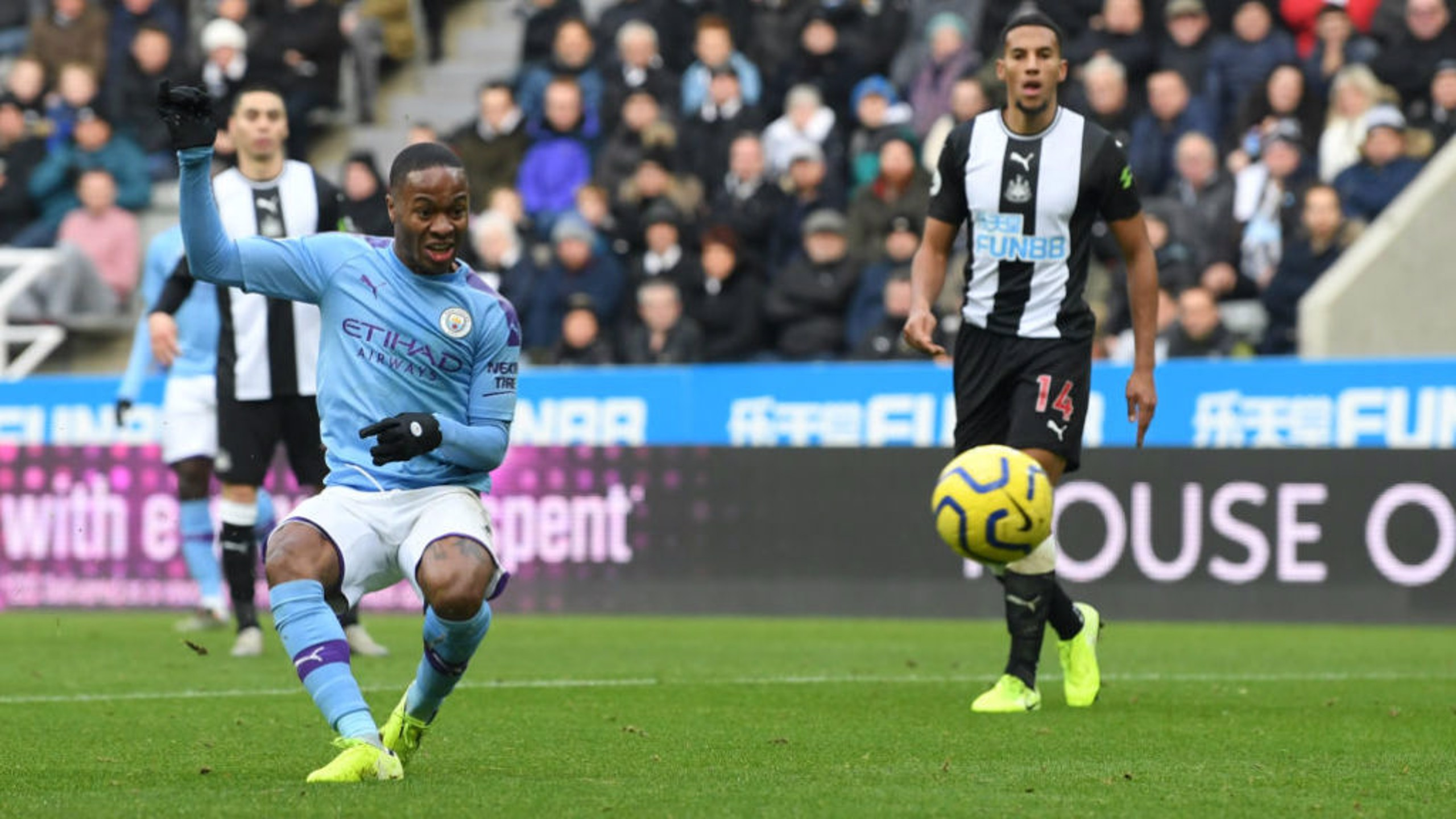 CLASS: Sterling finishes off a fine move to out City ahead