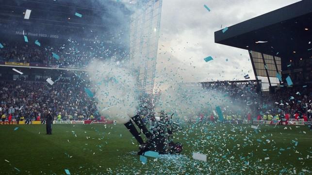 CELEBRAÇÃO: As comemorações pós-jogo começam