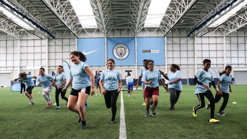 Algunas de las participantes del último Encuentro de Líderes Jóvenes de Cityzens Giving en Manchester.