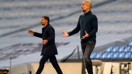 """Guardiola fait l'éloge de l'""""incroyable"""" combinaison de Torres et Foden"""