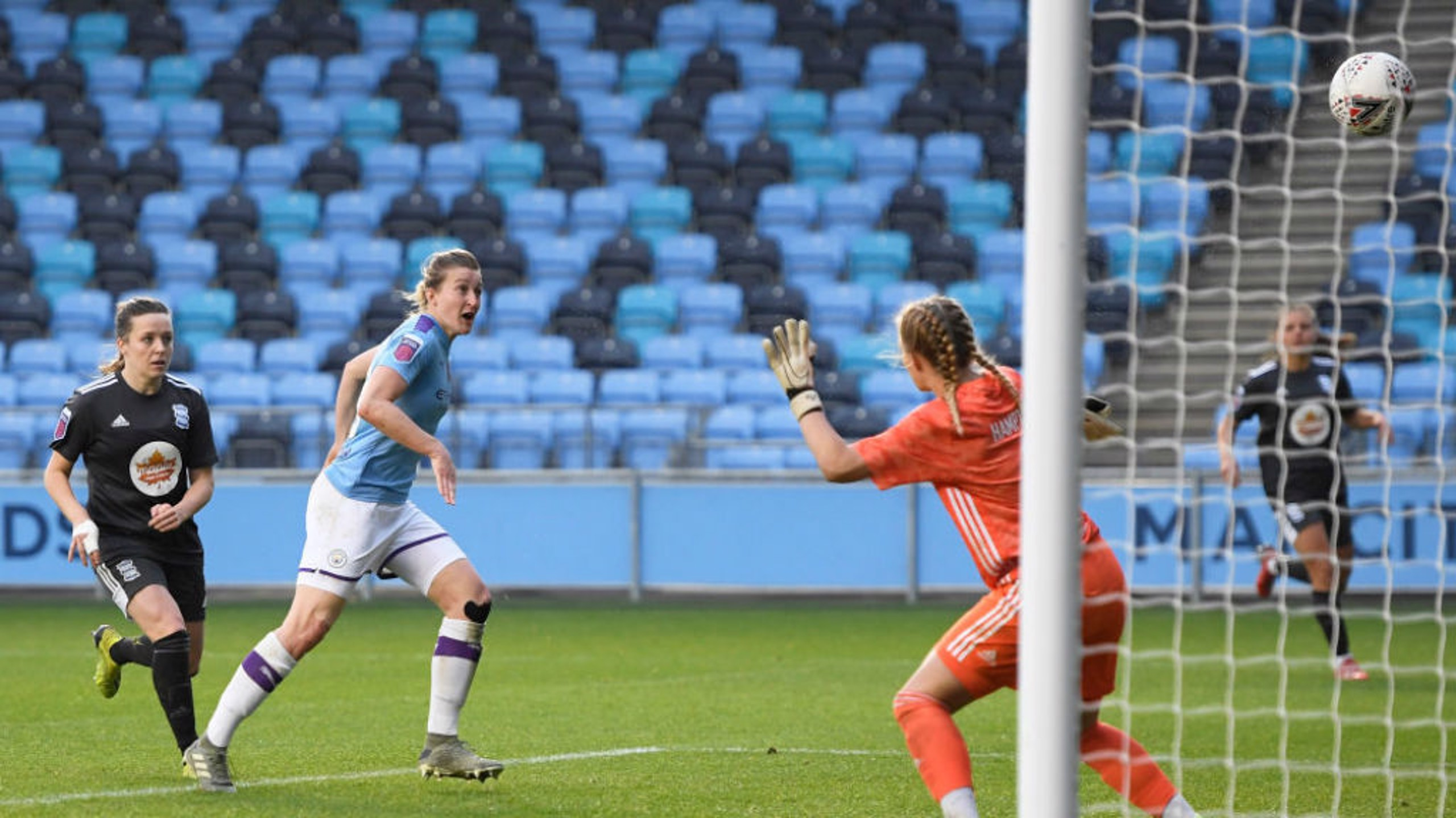SPECIAL MOMENT: Ellen White strikes for her first City goal