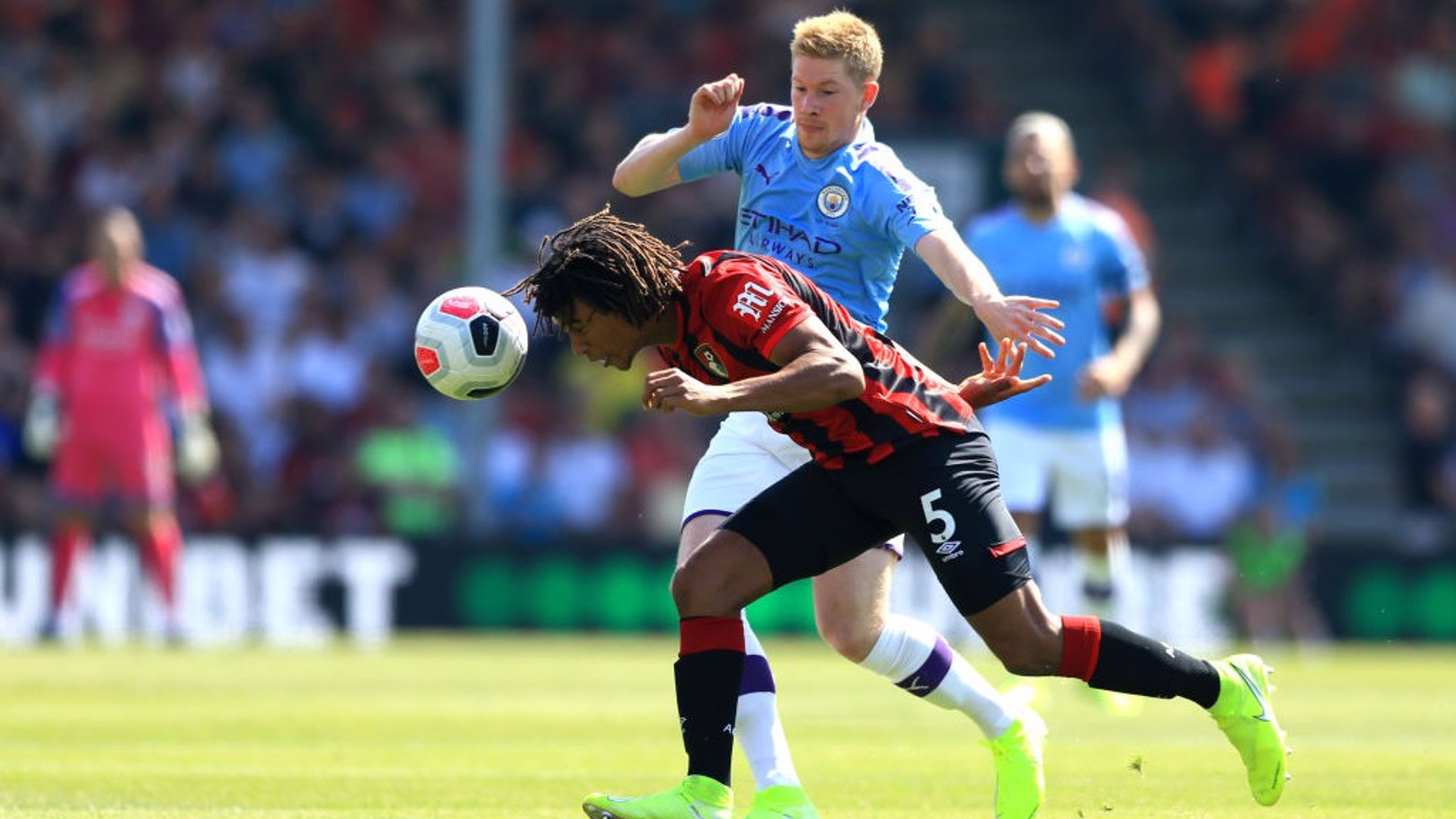 De Bruyne helping Ake to settle