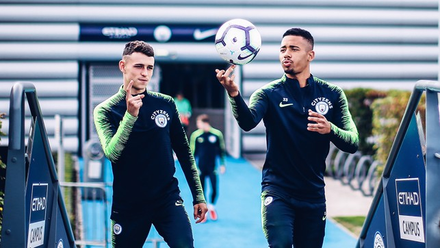SKILLS : Gabriel Jesus shows us a trick as he heads out to training.