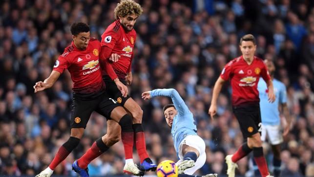 SLIDE RULE : Bernardo puts a block on Maraoune FellainI