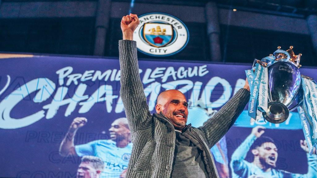 Pep condecorado pela League Managers Association