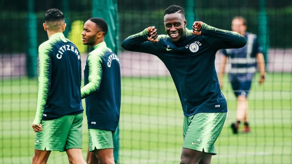 SLEEVE IT OUT: Ben Mendy spots the camera