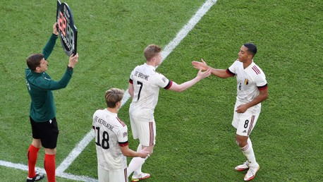 De Bruyne sparks late Belgium rally - but Italy hold on