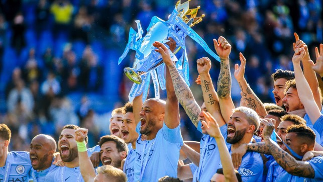 AGAIN : Manchester City, Champions of England.