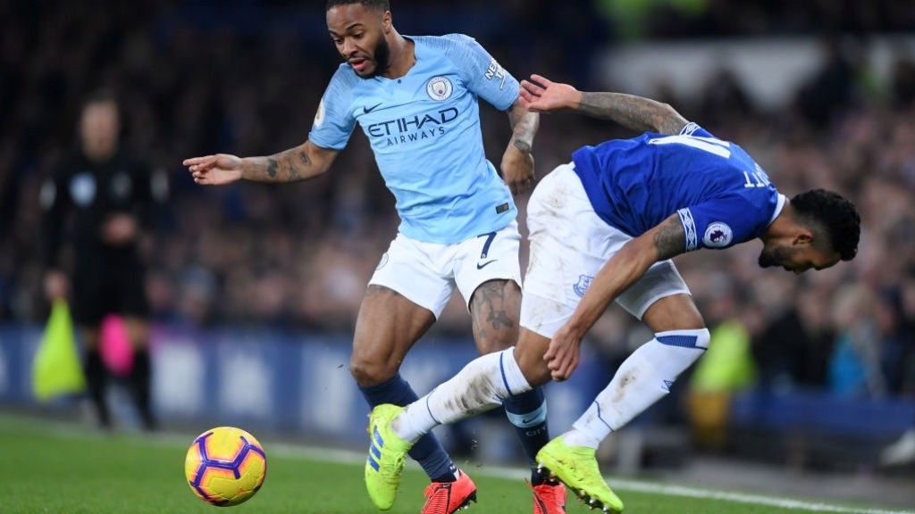 STERLING WING-PLAY : Substitute Raheem Sterling beats his man