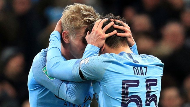 SQUAD : Zinchenko and Diaz share their delight after City's opening goal.
