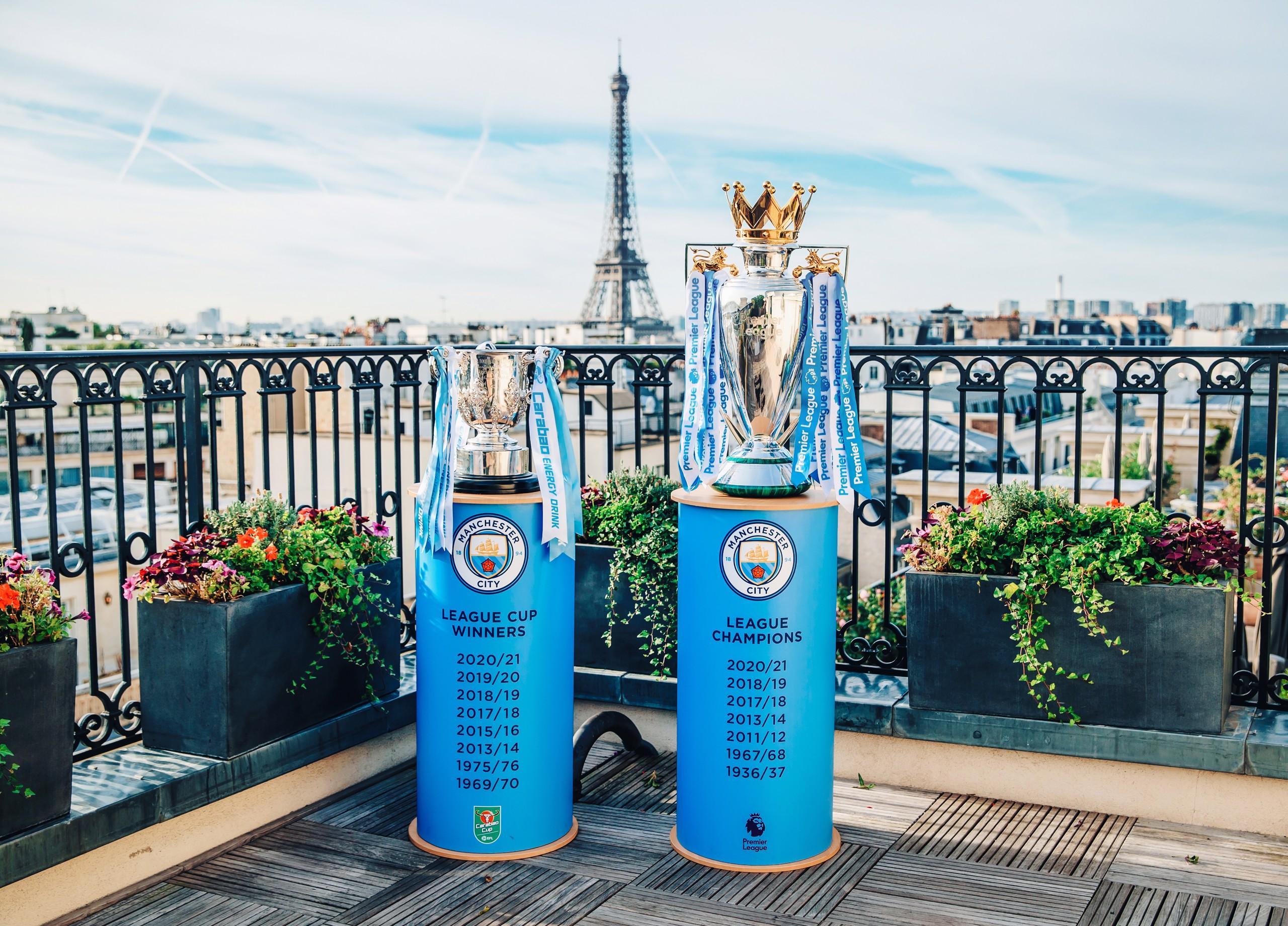 Premier League and Carabao Cup trophies visit France!