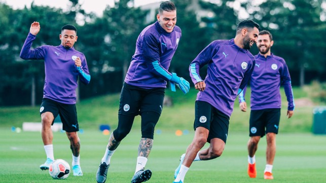 QUICK GET AWAY : The chase is on between Ederson and Riyad Mahrez!