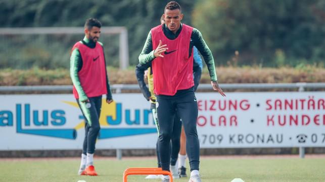 DANI-GO : The Brazilian full-back, on the move