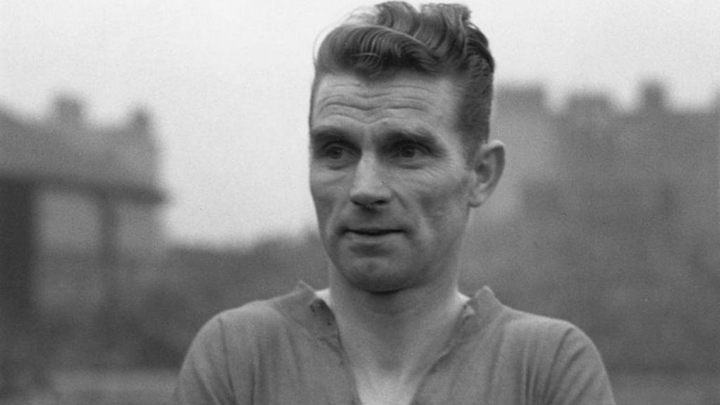 제2차 세계대전 중 경기에 나서기 전 피터 도허티의 모습