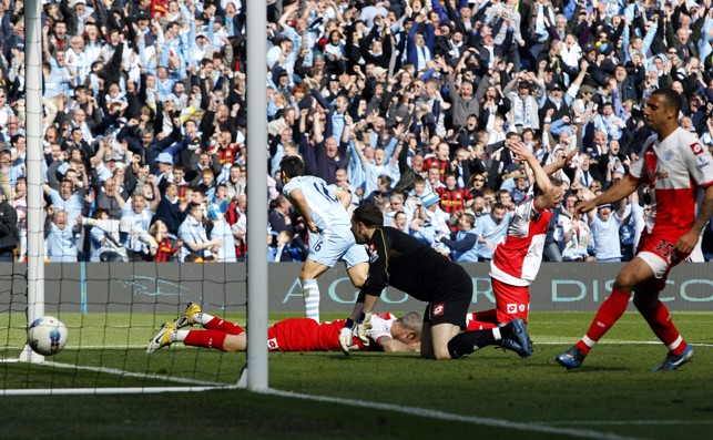 HISTORY MAKER : Aguero scores the Premier League-winning goal in 2012