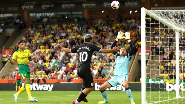 CLOSE : Aguero's header goes just over the bar
