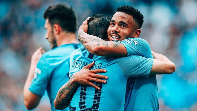 COME HERE : Jesus shares the love with Bernardo after City's fourth