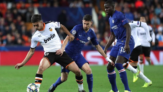 EURO NIGHTS : Battling with Jorginho and Kurt Zouma during Valencia's 2-2 draw with Chelsea in the 2019/20 Champions League group stage.