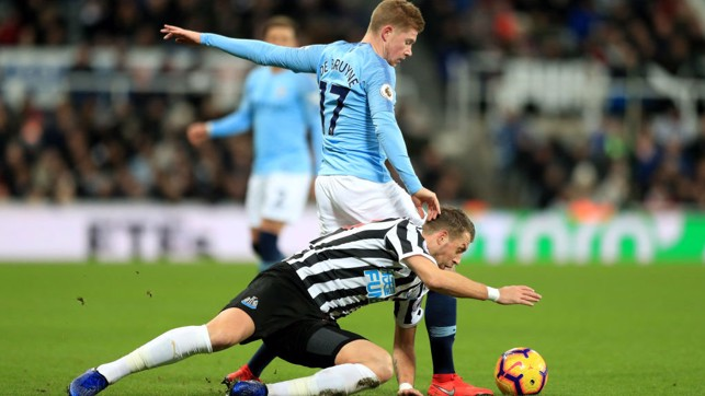 BATTLING BELGIAN : KDB shrugs off a challenge to retain possession