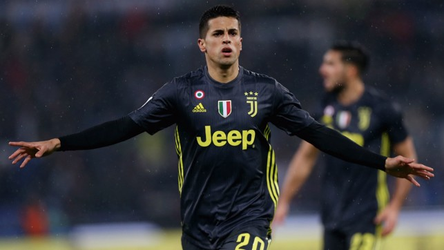 ATTACKING THREAT : Comfortable on either flank and also capable of playing in a more advanced position, Cancelo boasts exceptional athleticism and delivery from wide areas.