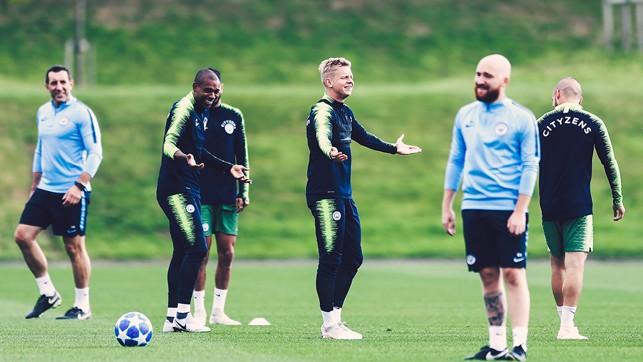 DOUBLE TROUBLE : Wondering what's happening between Fernandinho and Zinchenko!?