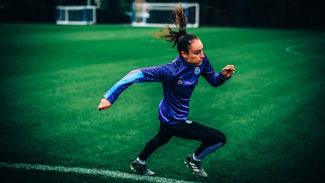 RUNNING THE LINE : Tessa Wullaert sprints clear