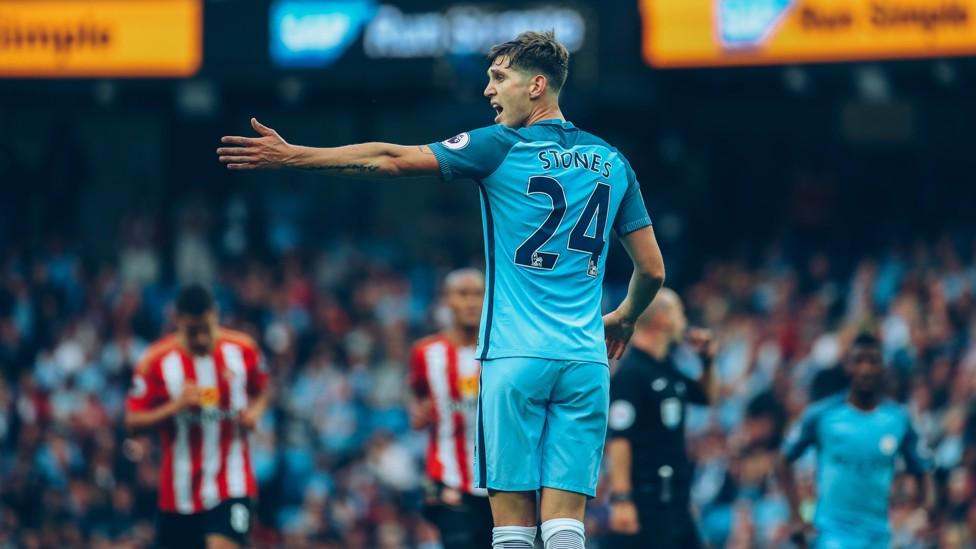 DEBUT: Karier Stones di City dimulai dengan kemenangan, saat kami mengalahkan Sunderland 2-1 pada hari pembukaan musim 2016-17.
