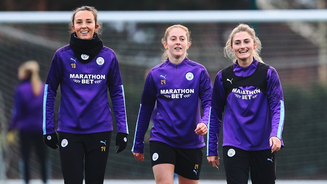 TWO'S COMPANY : Caroline Weir, Keira Walsh and Laura Coombs in training