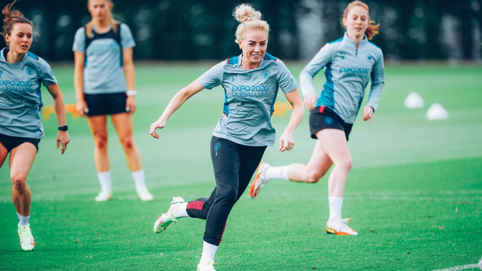 FAMILI-AL FACE : Alex Greenwood captained United to promotion in 2018/19!