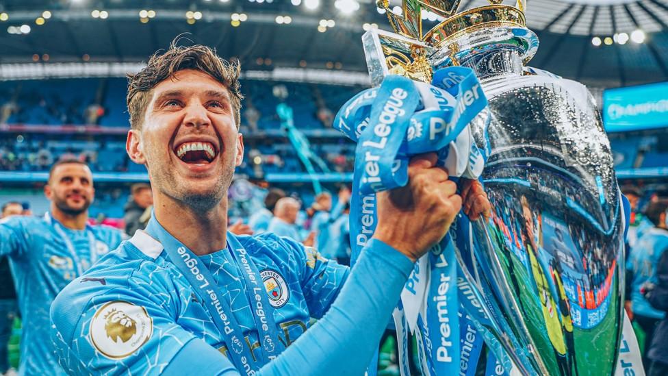 YANG TERBAIK: Stones masuk dalam skuad PFA Premier League Team of the Year.